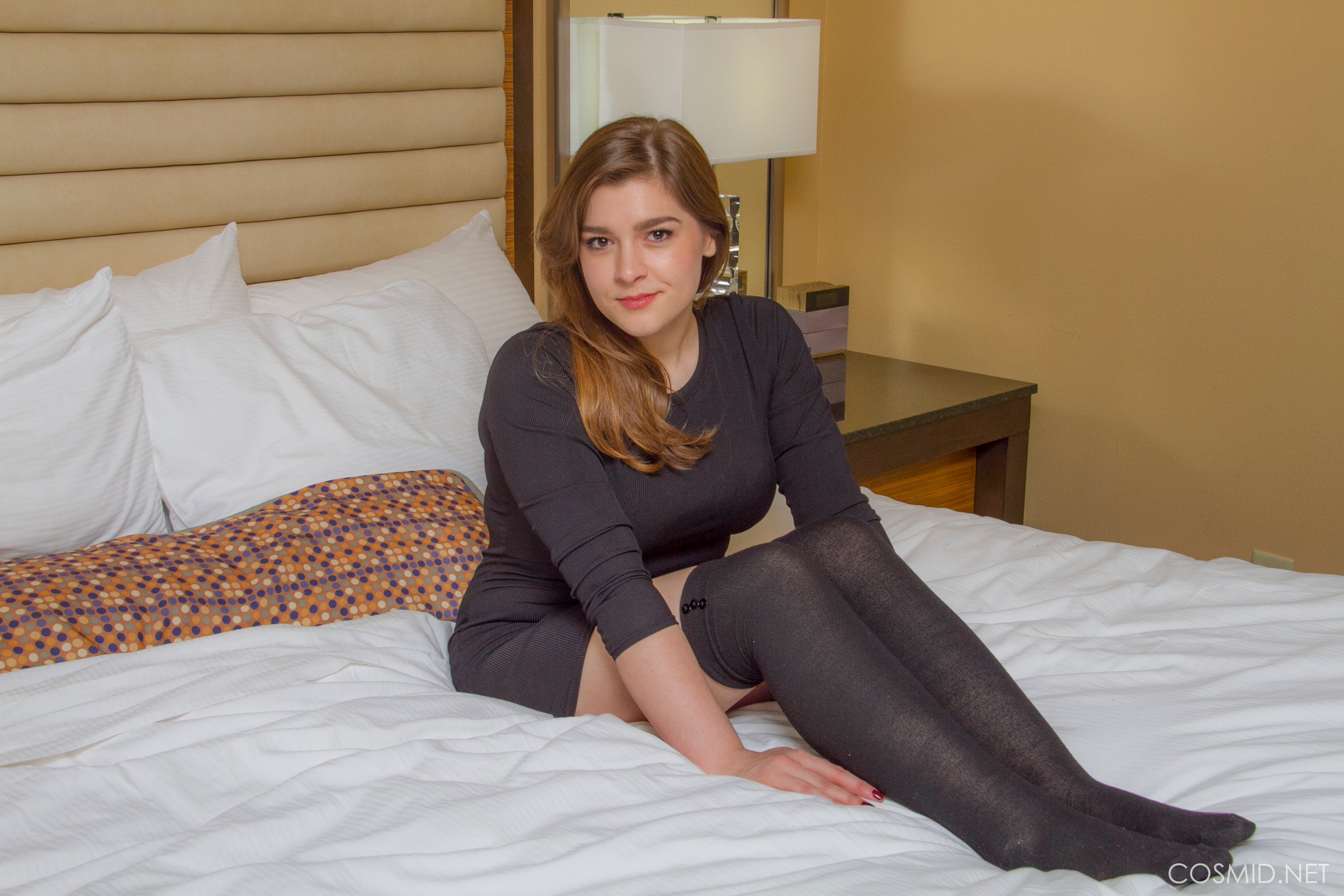 Chubby Cutie Mary Elle Plays Seductively On The Bed