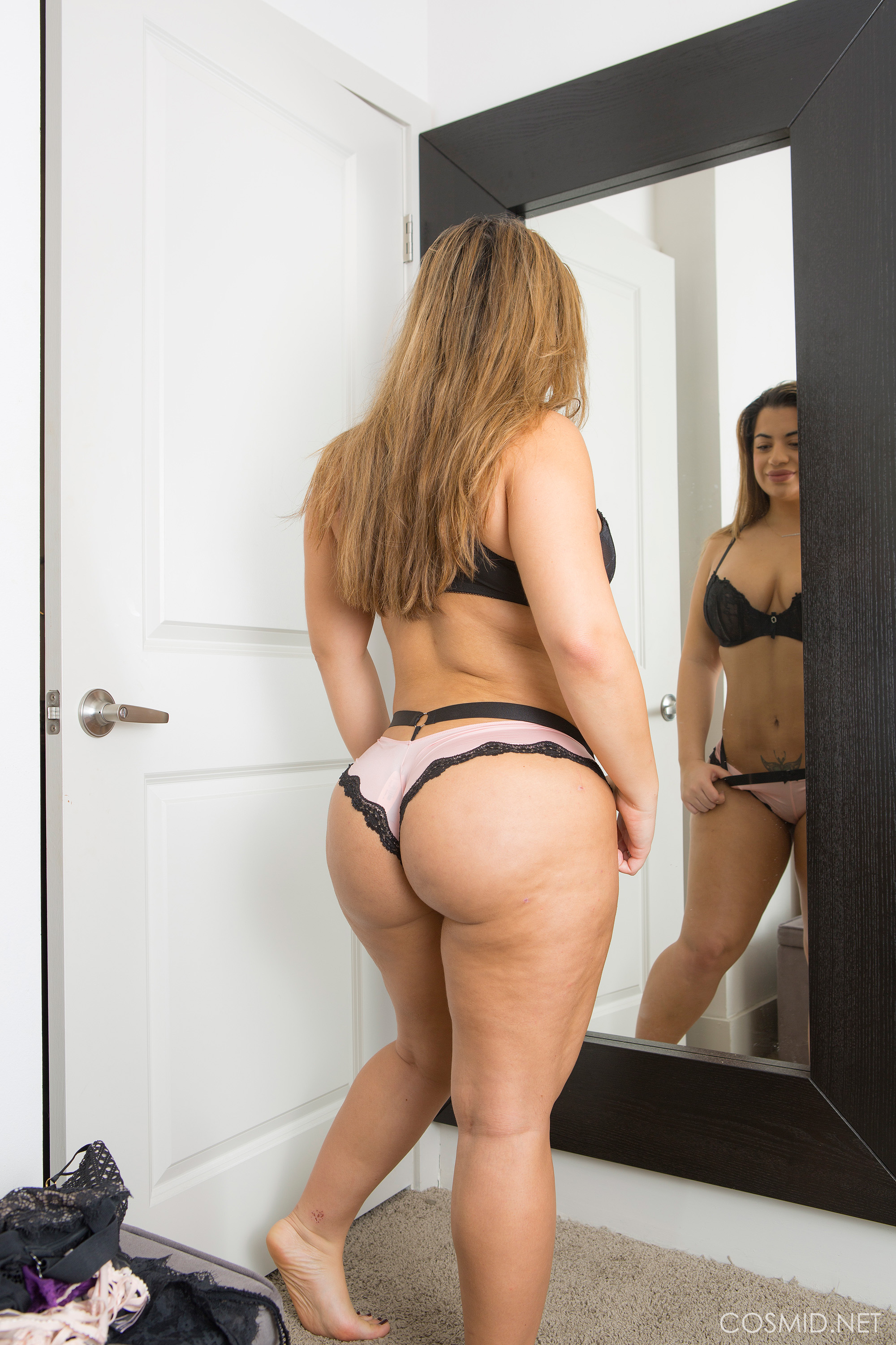 Lisa Martiz Has The Most Amazing Ass Ever And Shows Her Heavenly Tits Too
