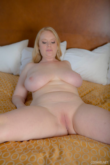 Round big butt blonde statue at walmart - 2 part 1