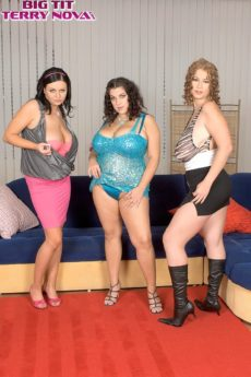 A sexy plump Czech fuckfest is about to start with big-boobed and rubenesque pornstars Terry, Marille, and Angelina